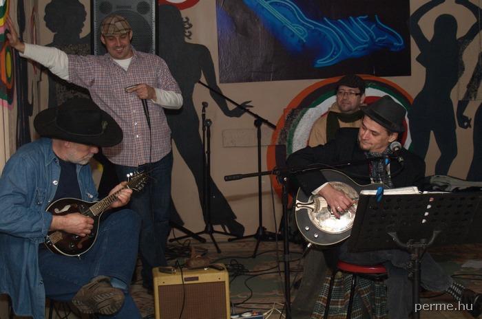 Pila Acoustic, Romkert